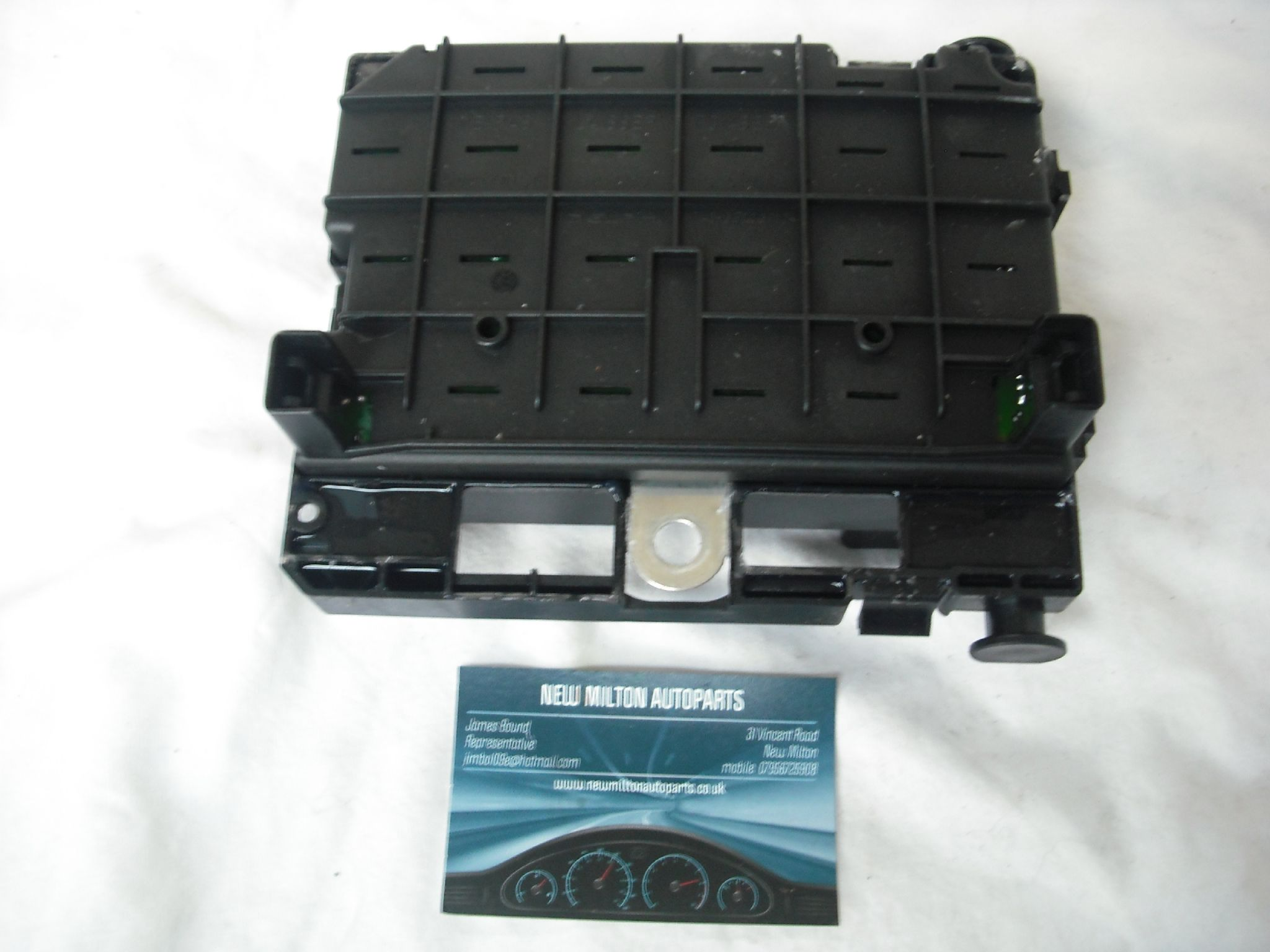 a genuine peugeot 307 1.4 1.6 2.0 engine bay fuse box control module 9646405180 bsm b2 delphi [2] 6701 p genuine peugeot 307 1 4 1 6 2 0 engine bay fuse box control module delphi fuse box at bayanpartner.co